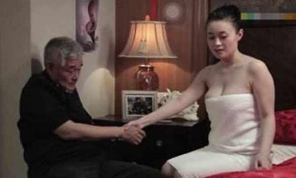 赵本山身材最火爆的女弟子 就是她