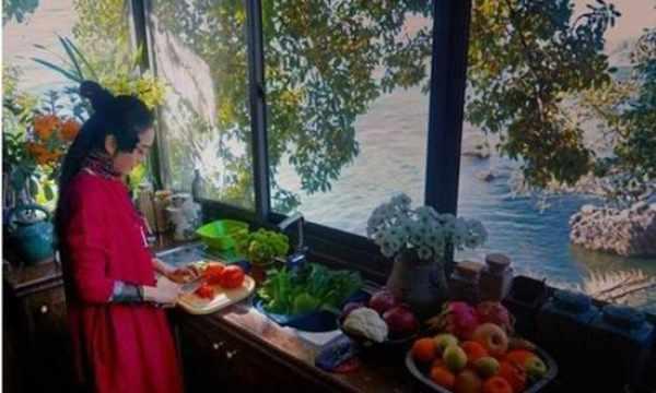 杨丽萍在洱海的豪宅曝光 美若仙镜