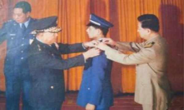揭秘首位叛逃台湾的我军师长,官方很少报道